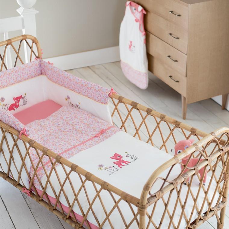 les 5 articles indispensables pour la chambre de b b. Black Bedroom Furniture Sets. Home Design Ideas