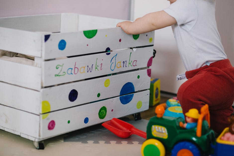 Comment fabriquer un coffre de rangement pour bébé